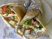 Shaorma de casa, dietetica - Pas 7 Cooking Recipes, Healthy Recipes, Healthy Food, Chicken Wraps, Food And Drink, Tortillas, Ethnic Recipes, Decor, Home
