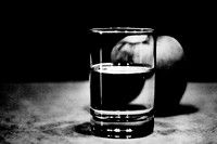 black and white high contrast photography for hyperrealism - glass High Contrast Photography, Black And White Photography, Ap Art Concentration, Hyperrealism, Charcoal Drawing, Black White Photos, Shot Glass, Photographs, Apple