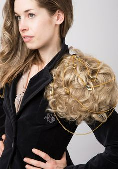 The 3 most ingenious ways to style your toupee! Dress up a basic, boring blazer by adorning each shoulder with a matching mop of tousled tresses. Again,barfy.
