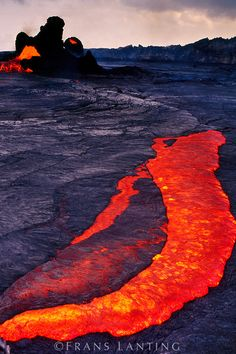 Lava Lake inside Puu Oo, Hawaii Volcanoes National Park, Hawaii
