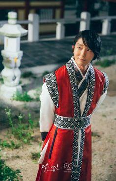 Lee Jun Gi // MLSHR