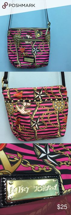 BETSEY JOHNSON ANCHOR BAG LIKE NEW LIKE NEW BEAUTIFUL BETSY JOHNSON ANCHOR BAG WITH ADJUSTABLE STRAP Betsey Johnson Bags Crossbody Bags