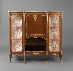 Attributed to François Linke A Fine Louis XV Style Kingwood and Gilt Bronze Mounted Vitrine Cabinet  French, Circa 1890.