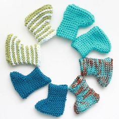 Make these adorable baby booties with my easy, beginner knitting pattern!