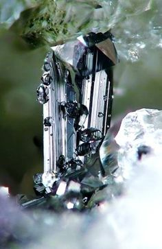 Ferberite with Quartz