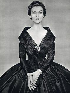 Givenchy, 1954. ♛  ♛~✿Ophelia Ryan ✿~♛