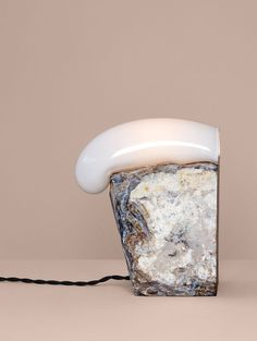 Catch Rock table lamp by Lindsey Adelman for Nilufar Gallery.Photo © Lauren Coleman.