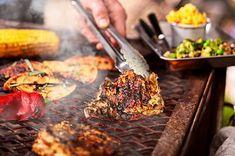 Så byggde de ett utekök steg för steg Steak, Rub, Beef, American, Food, Meat, Meal, Eten, Steaks