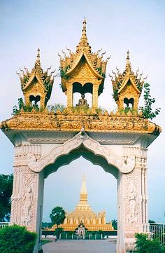 Pha That Luang (Great Stupa in Lao) is a gold-covered large Buddhist stupa on the eastern outskirts of Vientiane, Laos. Since its initial establishment suggested to be in the 3rd century, the stupa has undergone several reconstructions until the 1930 http://mozaikvoyages.com  http://mozaikvoyages.com/voyages-laos