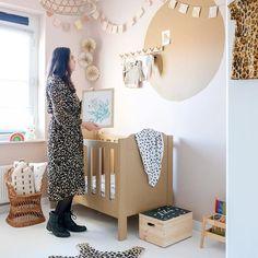 WC quotes: 15x Grappige teksten voor op het toilet - Een goed verhaal Ikea Stuva, Diys, Poster, Instagram, Home Decor, Decoration Home, Bricolage, Room Decor, Do It Yourself