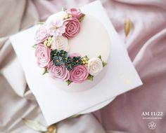student's work from Taiwan🌿 #flowercake #buttercreamcake #studentswork #Taiwan…