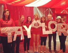 Taylor Swift with fans. This is cute!