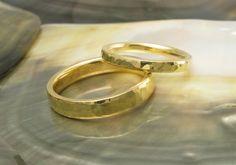 wedding+ring+set+in+21k+solid+yellow+gold+hand+von+RavensRefuge,+$1.711,00