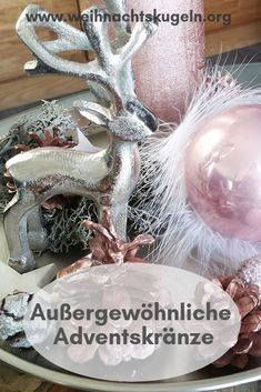 Kränze welche mit dem traditionellen Design brechen und neue, kreative Formen annehmen sorgen mit ihren frischen Aussehen für passende Abwechslung und ziehen schnell die Blicke aller Weihnachtsgäste auf sich. Shabby Chic Stil, Traditional Design, Candle Holders, Crown Cake