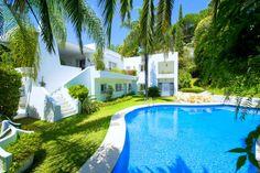 Spacious villa for sale in Rio Real, #Marbella 1.750.000 €
