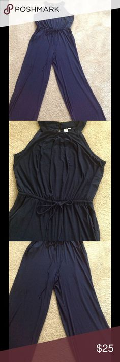 🦋🦋🦋🦋Very Pretty Jumper🦋🦋🦋🦋 🦋🦋🦋🦋A very  pretty navy blue jumper that gathers at the waist. There is also a keyhole opening on the back. It's made from 95% polyester and 5% spandex with lots of stretch.🦋🦋🦋🦋 Dresses