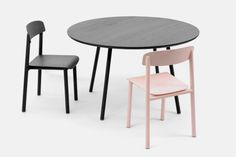 Profile Table is a minimalist design created by Belgium-based designer Sylvain Willenz. Following the success of the Profile chair, Stattmann Neue Moebel asked the designers to design some tables. The collection consists of round, rectangular and square formats. (10)