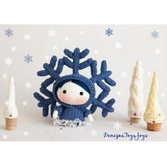A snowflake hat – how unique! You could even use the hat for other amigurumi too… Get the pattern via Ravelry, designed by Tatyana Korobkova. PATTERN: Tanoshi SnowFlake Doll by Tatyana … Cute Christmas Gifts, Christmas Fairy, Xmas Gifts, Christmas Ornaments, Crochet Christmas, Doll Patterns Free, Free Pattern, Knitting Patterns, Crochet Patterns