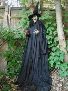 8 ft witch Love it Halloween Prop, Halloween Projects, Happy Halloween, Halloween Decorations, Halloween Witches, Halloween Ideas, Ghost Decoration, Scary Witch, Pagan