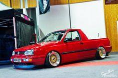 REBAIXADO Volkswagen Jetta, Volkswagen Caddy, Vw Corrado, Weird Cars, Cool Cars, Drift Trike Frame, Volkswagen Convertible, Vw Caddy Mk1, Megane 3