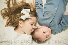 sibling pose idea
