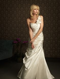 15 Extraordinary One-Shoulder Wedding Gowns - Always in Trend | Always in Trend