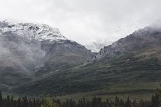 Mists lifting over Denali's rocky foothills during a hike along the Savage River [OC] [2048x1365]