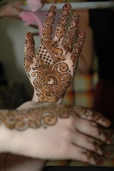 Mehendi can make your hands look really beautiful for any occasion. To help you pick, we have compiled 36 of the most Stunning Mehendi Designs for Hands. Mehandi Design For Hand, Indian Mehndi Designs, Mehndi Designs For Girls, Henna Designs Easy, Beautiful Henna Designs, Latest Mehndi Designs, Bridal Mehndi Designs, Mehandi Designs, Bridal Henna