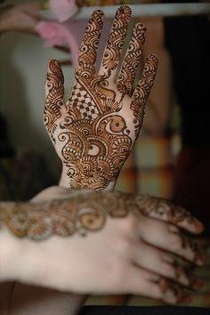 25 Bridal Mehndi Designs