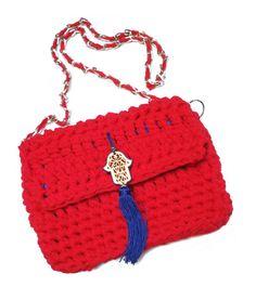 Cross body bag. Knitted bag. Crochet bag. Tshirt por HaveaFlowerDay