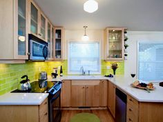The Best Tips for Planning Small Kitchen Layouts | Contemporary ...
