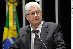 """REQUIÃO: Governo Temer prepara armadilha para um  possível retorno de Dilma; ENTENDA Houve quem se surpreendesse quando a equipe econômica de Meirelles pediu autorização ao Congresso para fixar uma nova """"meta"""" fiscal extremamente folgada, uma meta de 170 bilhões de reais. Afinal, o valor é o dobro da meta que a presidente Dilma pediu e que na época foi considerado """"irresponsabilidade fiscal"""" pela imprensa e pelo Congresso.   http://clickpolitica.com.br/brasil/na-contramao-governo-temer-prep"""