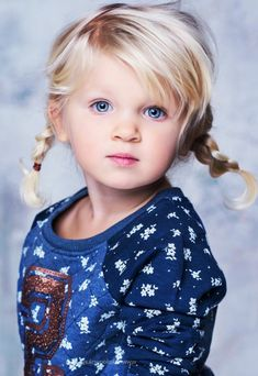 Little blonde girl in pigtails Little Blonde Girl, Blonde Hair Girl, Little Girls, Little Girl Bangs, Blonde Braids, Easy Little Girl Hairstyles, Kids Braided Hairstyles, Kids Hairstyle, Beautiful Children