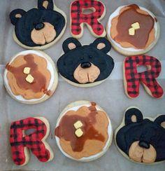 J for Jett in plaid & Bear Lumberjack Birthday Party, 1st Boy Birthday, First Birthday Parties, Birthday Party Themes, Birthday Ideas, Lumberjack Cupcakes, Little Mac, Cute Cookies, Bear Cookies
