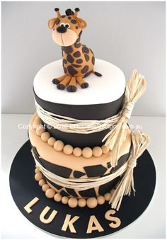 giraffe cake.  Umm, I would love to have this as a birthday cake!  (Hint, hint friends! :)