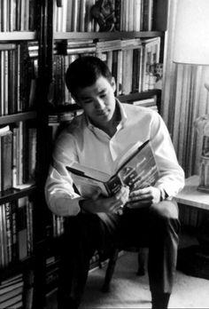 Bruce Lee was An Intelligent Man. He Read a lot.