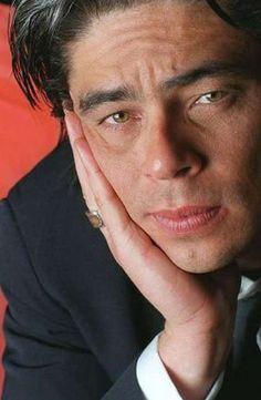 something about Benicio del Toro..