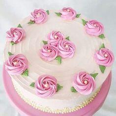 New Birthday Cake Drawing Easy Ideas Cake Decorating Designs, Creative Cake Decorating, Cake Decorating Videos, Cake Decorating Techniques, Creative Cakes, Buttercream Cake Designs, Buttercream Birthday Cake, Buttercream Icing, Butter Icing Cake Designs