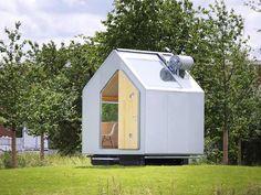 7,5m2 : La cabane Diogène, le rêve minimaliste d'un grand architecte L'architecte Renzo Piano (à qui on doit Beaubourg) a créé cette habitation de 2,5 mètres sur 3, juste assez grande pour contenir un lit, une table, une cuisine et une douche. Réalisée en bois et recouverte d'aluminium, elle est autosuffisante, grâce à des panneaux solaires, un réservoir d'eau de pluie et des WC biologiques. Un habitat minimaliste dont l'architecte dit avoir toujours rêvé et qui ne l'empêche pas de réaliser…