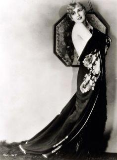 1928 Carmel Myers--l'esprit swing's