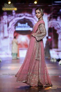 AISHA IMRAN-bridal-collection-at-bridal-couture-week-gold-16