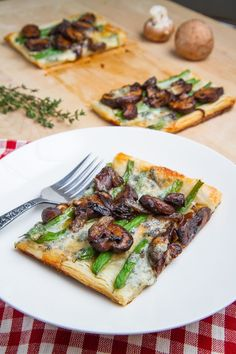 Green Bean, Mushroom and Caramelized Onion Tart (might be good with asparagus instead of green beans and feta instead of blue cheese)