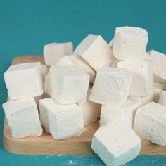 These vanilla bean–speckled marshmallows have a more pronounced vanilla flavor than our classic Homemade Marshmallows         , plus an adults-only hint of bourbon.                   See Make Your Own Marshmallows for more recipes and tips.