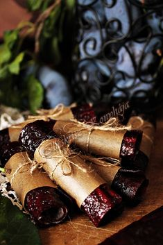 Illéskrisz Konyhája: SZILVABŐR... Biscuits, Spices, Food And Drink, Sweets, Cookies, Cake, Handmade, Keto, Wood