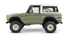 Classic Ford Broncos – the leader in early model Ford Bronco restorations and sales. Specializing in frame off Coyote Bronco restorations. Classic Bronco, Classic Ford Broncos, Classic Trucks, Classic Cars, Old Ford Bronco, Early Bronco, Bronco Truck, Ford Lincoln Mercury, Chevy Trucks