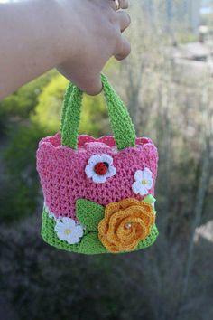 Mini bolsa para meninas.