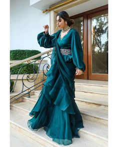 Indian Fashion Dresses, Indian Bridal Outfits, Indian Gowns Dresses, Dress Indian Style, Indian Designer Outfits, Indian Wedding Gowns, Pakistani Fashion Casual, Bollywood Fashion, Designer Party Wear Dresses
