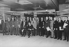 Members of warly falculty and staff with President Sussman and Major Namm at the 25th Anneiversary Alumni Gala, March 11, 1972