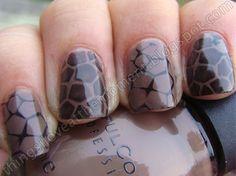 Giraffe pattern, nails