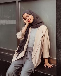 ideas for fashion casual summer outfits cardigans Muslim Fashion, Modest Fashion, Hijab Fashion, Trendy Fashion, Fashion Outfits, Fashion Ideas, Photoshoot Fashion, Fashion Styles, Casual Hijab Outfit